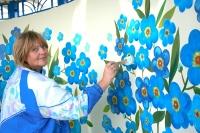 Художники из Бобруйска «дарят» цветы гостям «Дожинок» и пассажирам автотранспорта