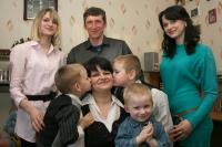 Многодетная мать Татьяна Редькова Указом Президента страны награждена орденом Матери